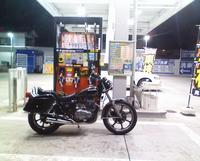 ガソリンスタンドにて.jpg