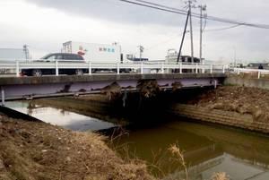 橋の上まで.jpg