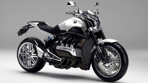 2014-Honda-Gold-Wing-F6C-wallpapers-588x330.jpg